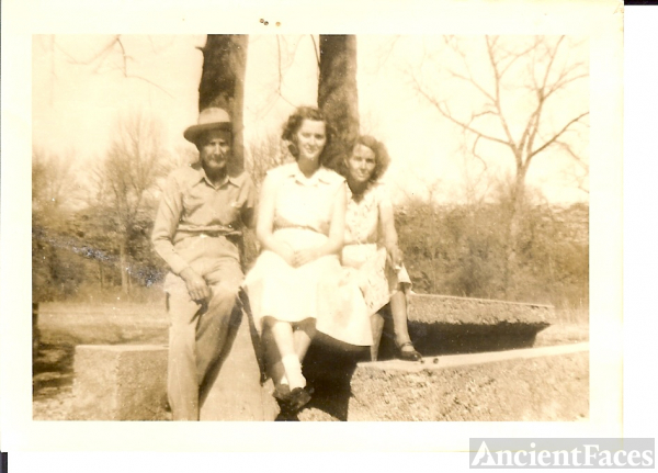 Pop Cates, Lavonne, and Lillian Audrie (Blevins) Cates