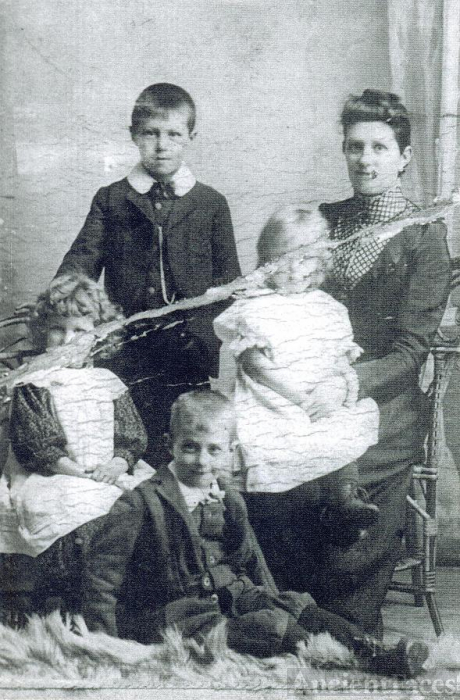 Mary Swaffield & children