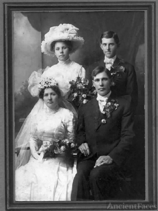 Seeger brothers marry  Clark sisters