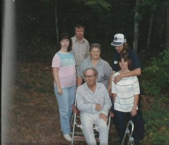 Virgil E. Phipps & family