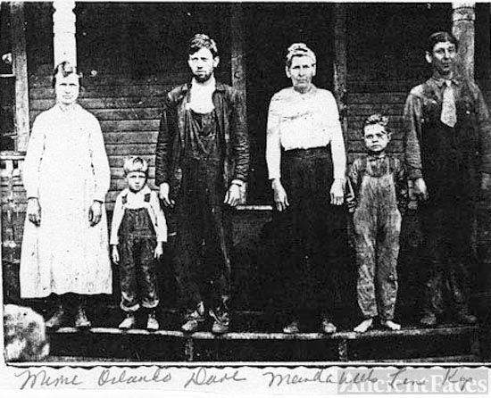 Minnie, Dave, & Kip Chapman Family, 1916