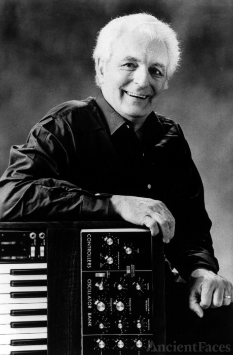 Bob Moog - Synthesizer & Electronica Music