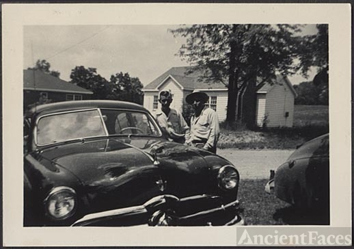 Emmering men &1950 Ford