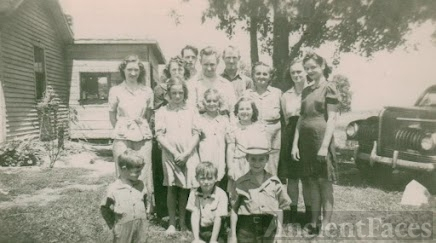 Glen & Ida Darling Family, OH, 1945