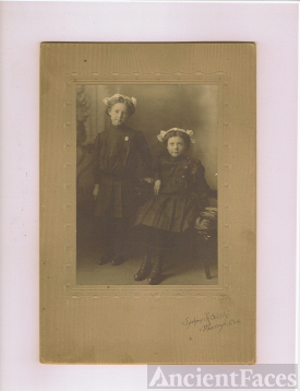 Are They Sarah and Clara Murray, Daughters of James Ellison Murray and Elizabeth Melissa (Carl)?
