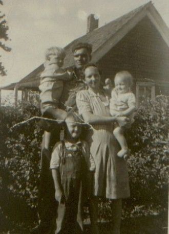 Luther& Nina Johnson & children