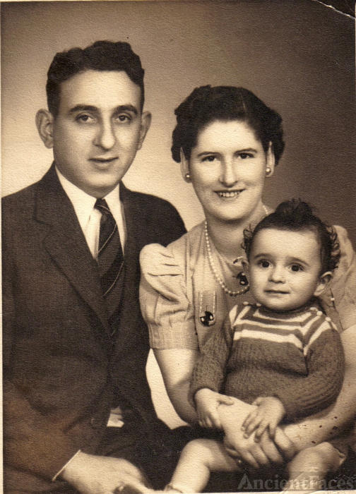Thomas Scalese Family, 1942