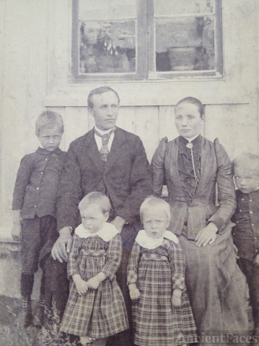 Karen (Risberget) Ourom family c1890