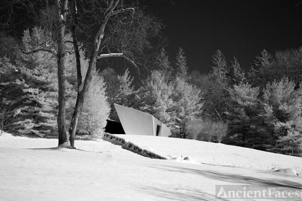 Philip Johnson's Ghost House
