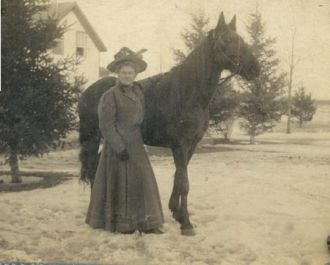 Edna Alma Bruns with her Horse