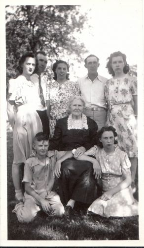 Pauline Smith with Grandchildren. Who are they?