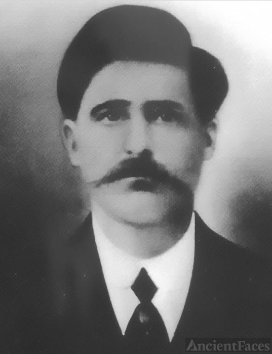 Vincenzo 'James' Cosmano, 1907
