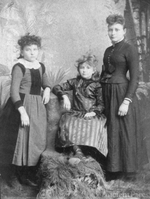 Mata, Alice, and Lula Purviance