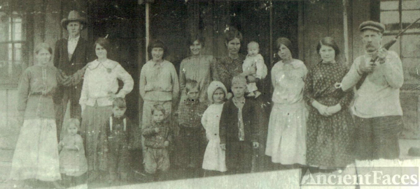 Jones Beck Family Centrahoma, Oklahoma about 1914