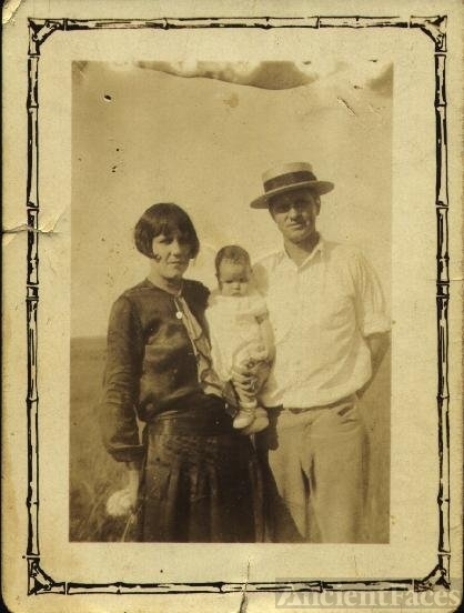 Nettie, Betty Jo, & Sam Troyer, OK