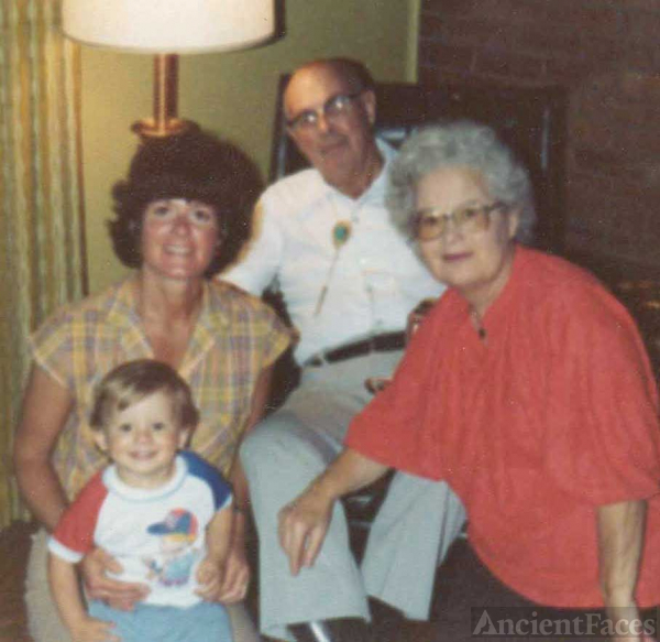 Floyd Allen Family - 3 generations