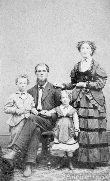 Unknown family -Wayne Co.,OH