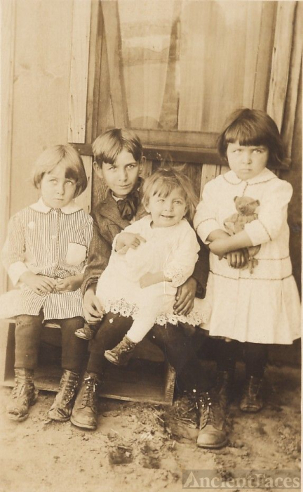 Lovely siblings-Rex,Ethel,Helen,Doris,cut out toes