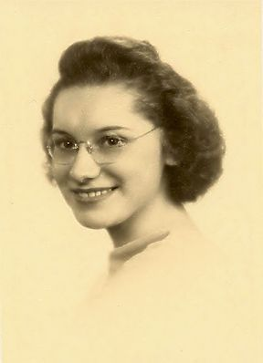Vera VanWatermeulen's Senior Photo