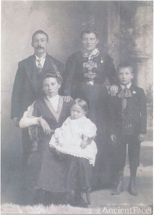 Victoria Jerin D'Agostino - Mary Jerin with family