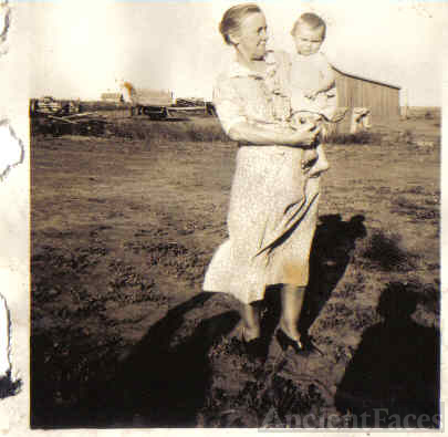 Nettie (Balfour) Hughes and first grandchild Walter Cunningham
