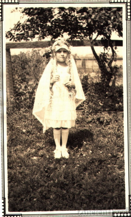 Mary Ricci, first communion
