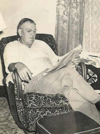 Jesse Rayborn at home in Tulsa about 1945