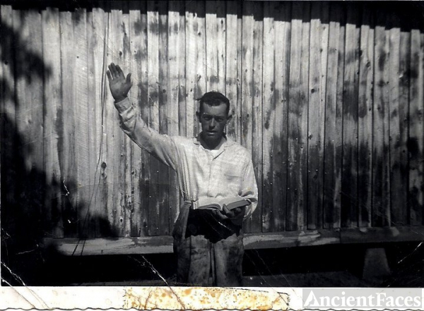 Rev  David  E  Vaughn, Arkansas 1960