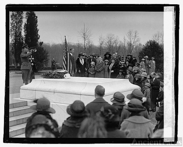 Children of American Revolution, [at Arlington, 4/16/23]