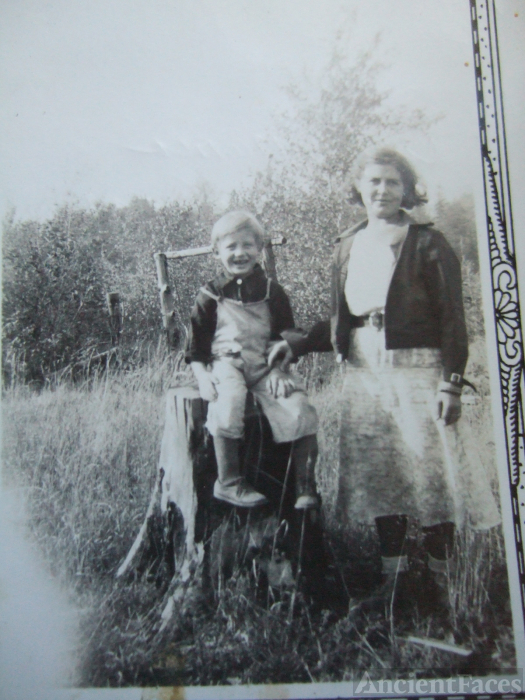 Six grandmother and uncle, 1938