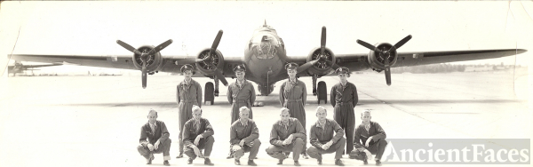 Unknnown 8th Air Force Crew Photo