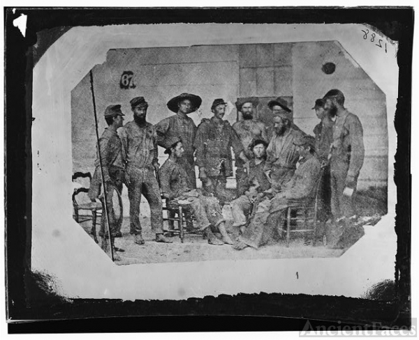Non-commissioned officers, 19th Iowa Infantry, exchanged...