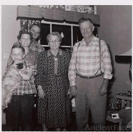 Doris,Othel,Teri Trusty,Hettie and Elson Russell Sr