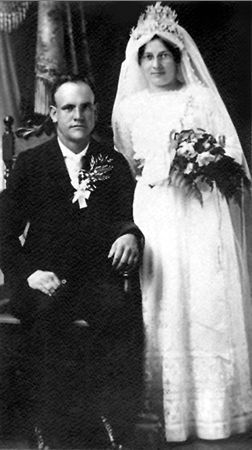 William & Georgeine (Carrier) Reuter, Minnesota 1914