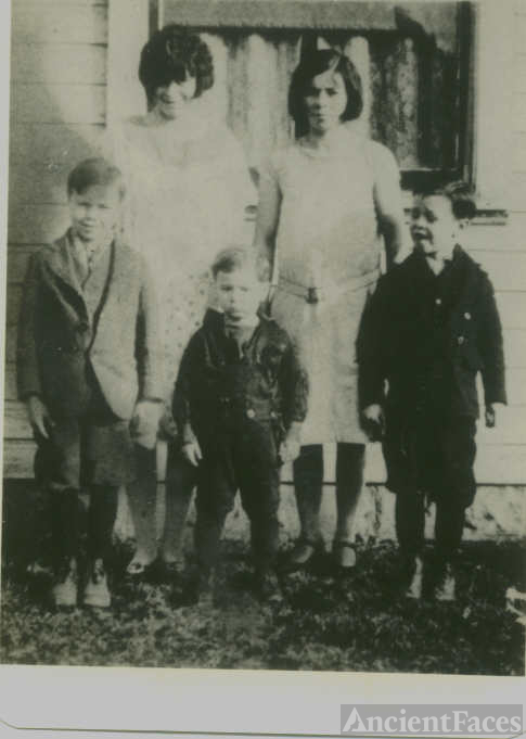 Roach Family And Aunt Rose Hamilton