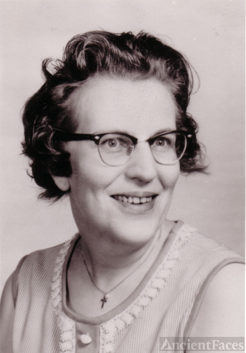 Doris H Potter