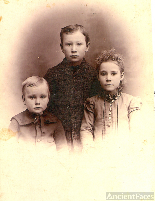 McLaughlin children 1890
