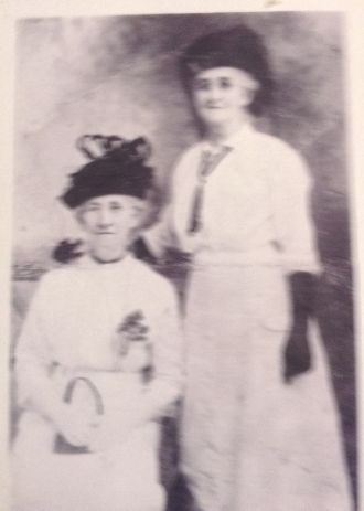 Clara and Dora Williams