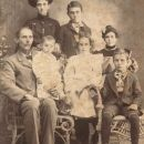 Ida Smith Thompson(?) and family
