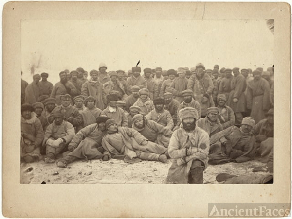 A group of hard-labor convicts (common criminals) in Siberia