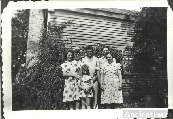 Pippin & Vertrees Families, Kentucky 1940's
