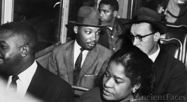 Martin Luther King, Montgomery Bus Boycott 1955