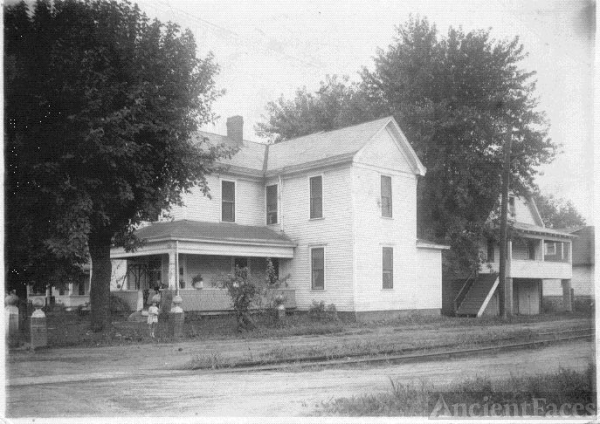 Newton Alton Home