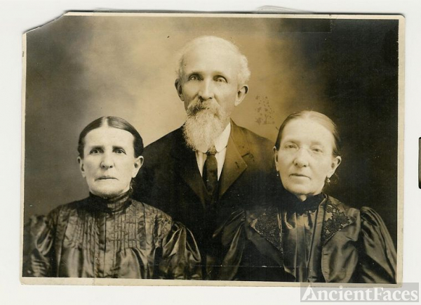 My Gggrandfather Richard E.L. Willard & 2 sisters