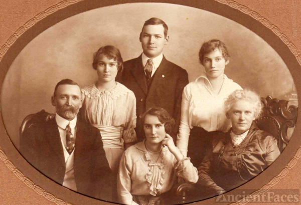 Charles Baynes Cale Family, Canada