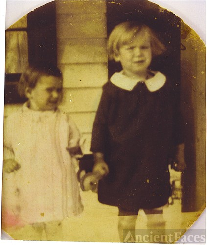 Wilma Jean Chastain & sister Amy Lee Chastain