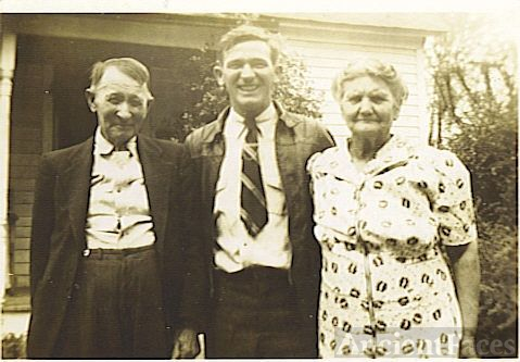 Walter (Pete Rogers) & Grandparents