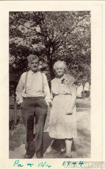 Photo of Gertrude and Harry Houghton