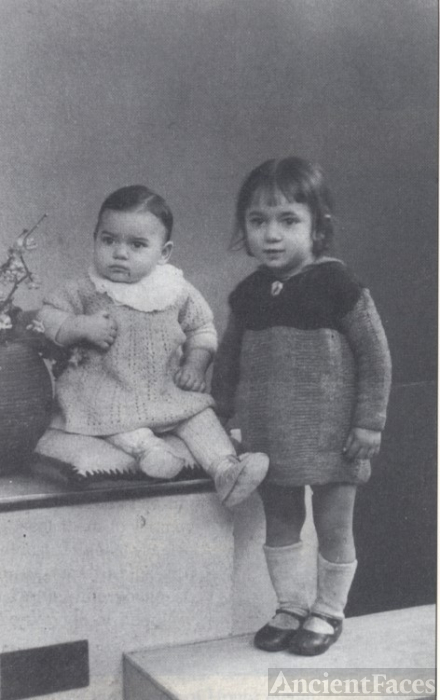 Huguette and Jacqueline Benguigui, Paris