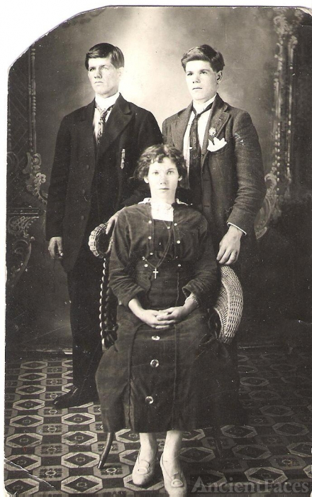 Cassista Siblings ? 1912